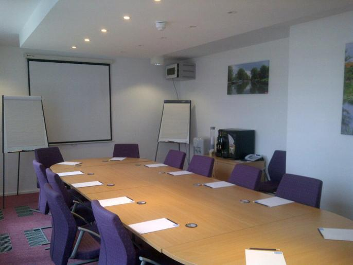UK Road Safety - MIDAS Training Facilities Medium Room